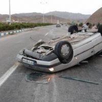 واژگونی پژو و ۳ کشته و مجروح در جاده آشتیان